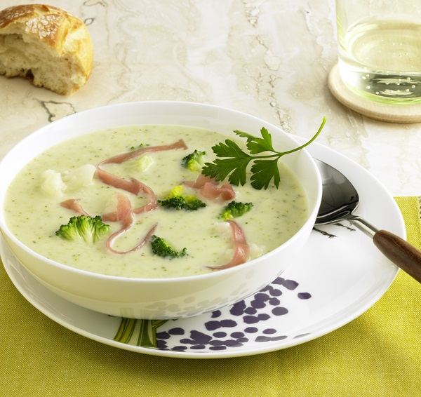 recipe image Blumenkohl-Broccolisuppe